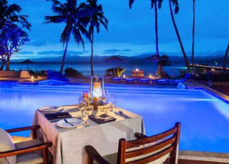 Resort Fine Dining Poolside